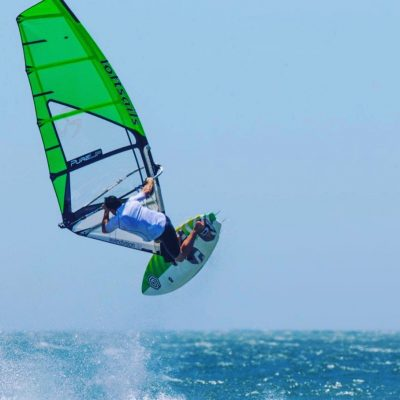 Clinic windsurf Olas SALTOS